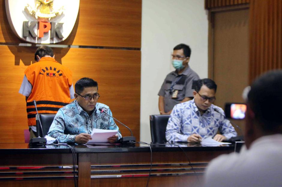 KPK Tahan Eks Direktur Teknik Garuda Indonesia Hadinoto Soedigno-2