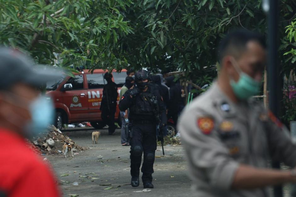 Melawan Saat Ditangkap, Densus 88 Tembak Mati Dua Terduga Teroris JAD di Makassar-0