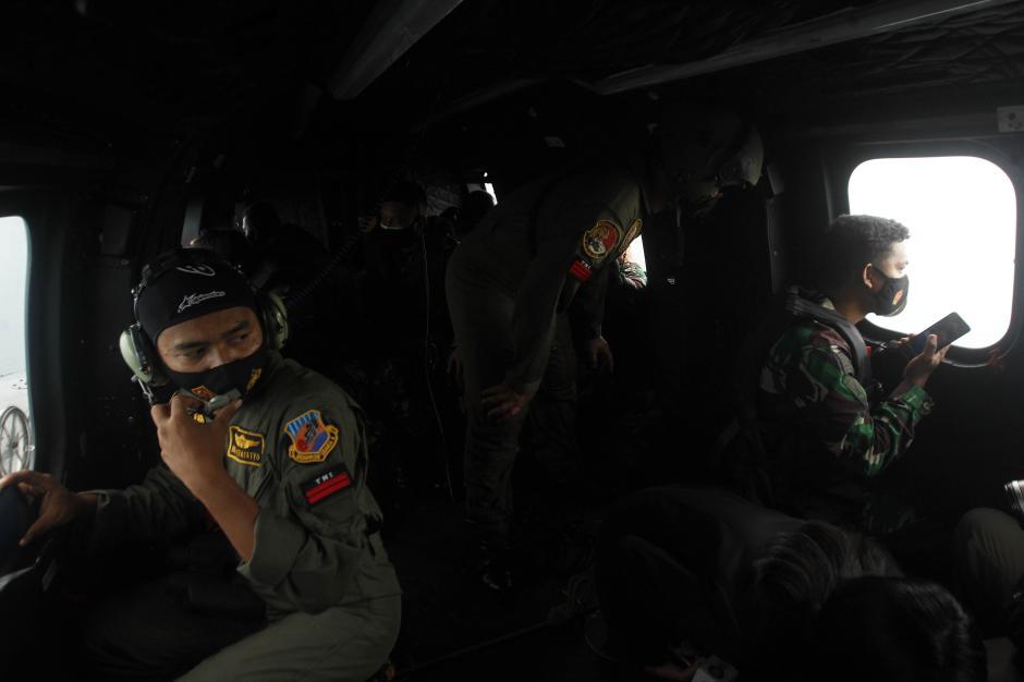 TNI AU Temukan Tumpahan Minyak yang Diduga Berasal dari Pesawat Sriwijaya SJ182-4