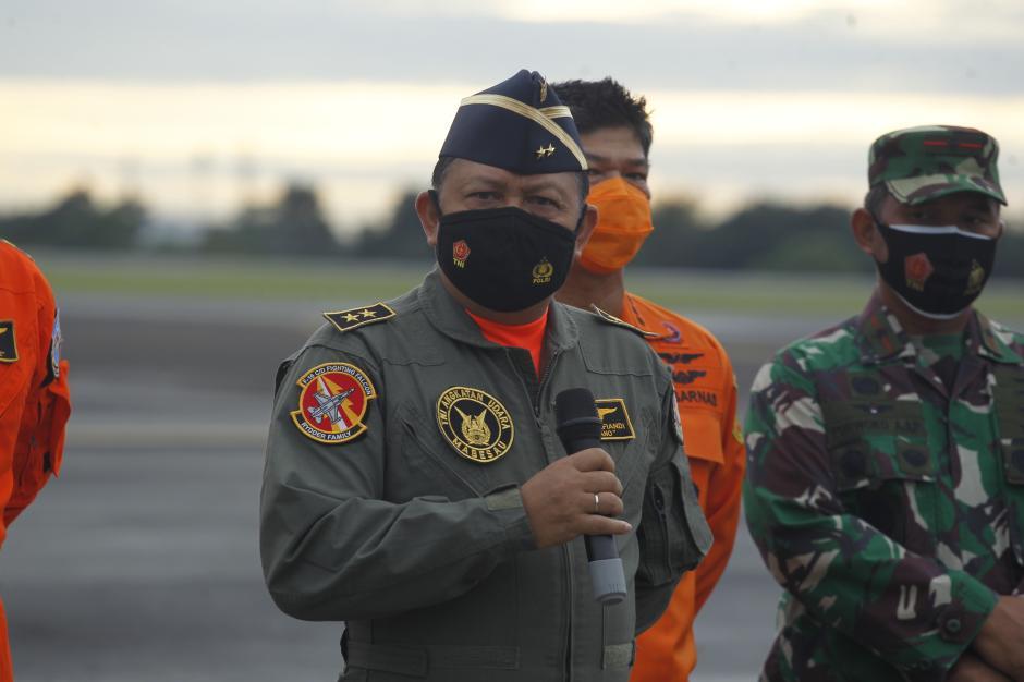 TNI AU Temukan Tumpahan Minyak yang Diduga Berasal dari Pesawat Sriwijaya SJ182-10