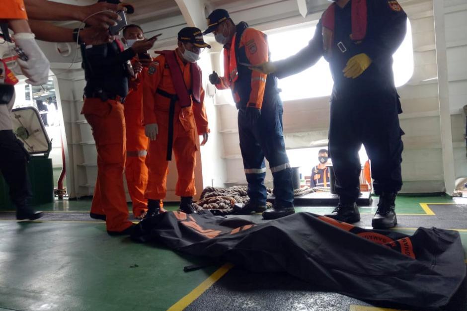 Nelayan Temukan Potongan Tubuh Penumpang Sriwijaya Air SJ182-3