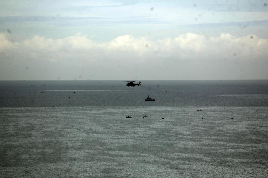 Cari Pesawat Sriwijaya Air SJ182, Helikopter Caracal TNI AU Sisir Perairan Kepulauan Seribu-0