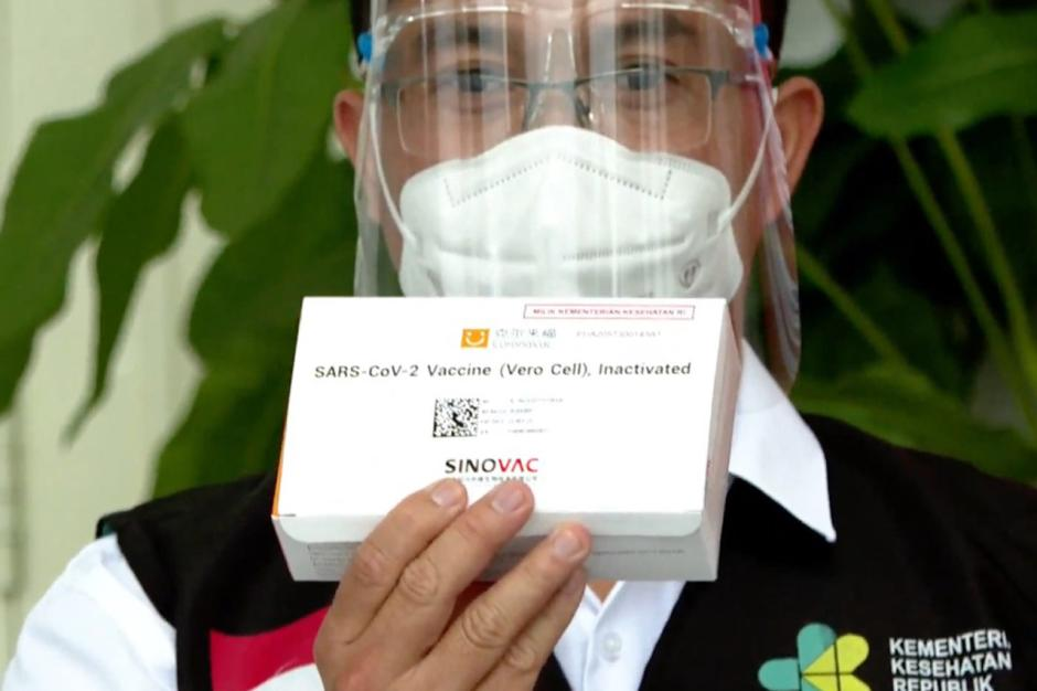 Presiden Jokowi Jadi Orang Pertama Disuntik Vaksin Covid-19-4