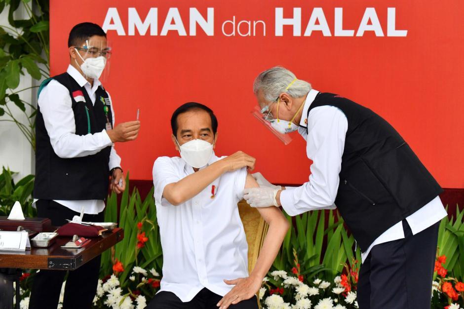 Presiden Jokowi Jadi Orang Pertama Disuntik Vaksin Covid-19-0