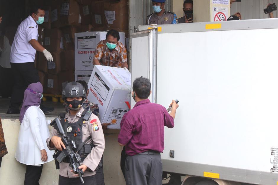 Vaksin Covid-19 Mulai Didistribusikan ke Kota dan Kabupaten di Jawa Timur-0
