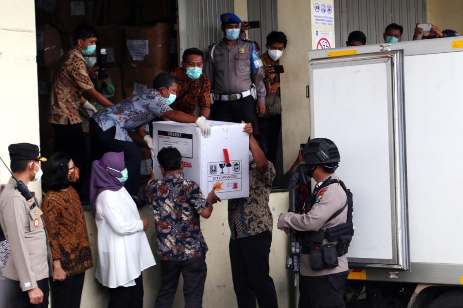 Vaksin Covid-19 Mulai Didistribusikan ke Kota dan Kabupaten di Jawa Timur-1