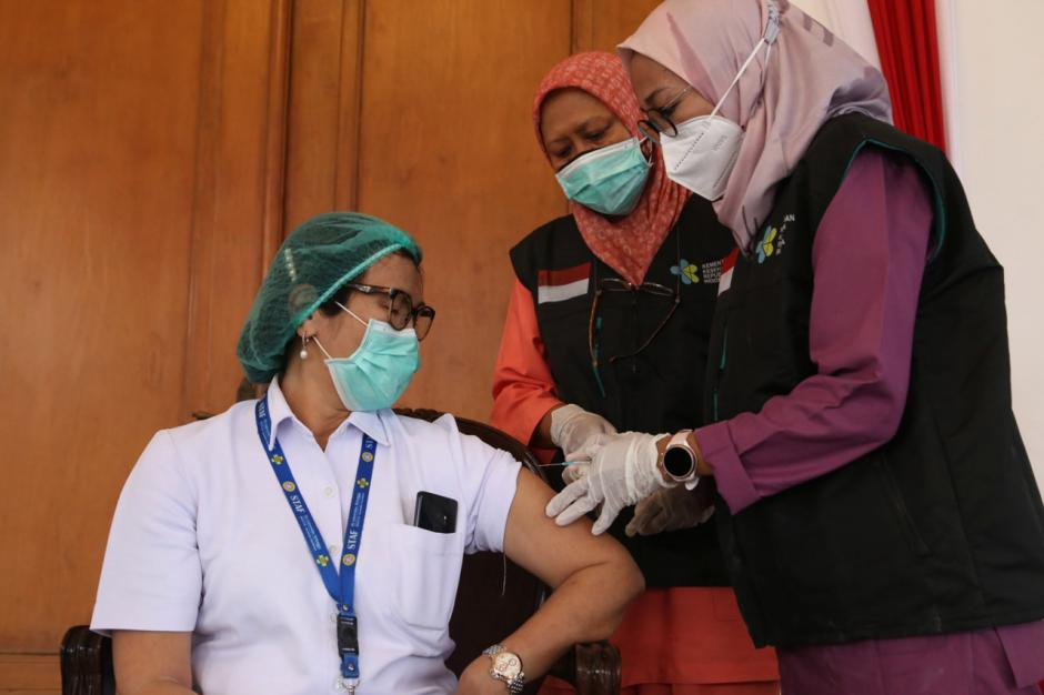 Pemprov Jawa Timur Gelar Simulasi Vaksinasi Covid-19-0