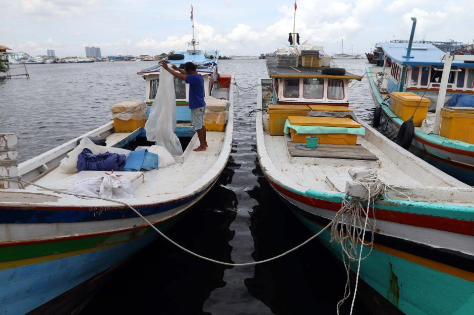Cuaca Buruk, Nelayan di Muara Karang Tidak Melaut-6