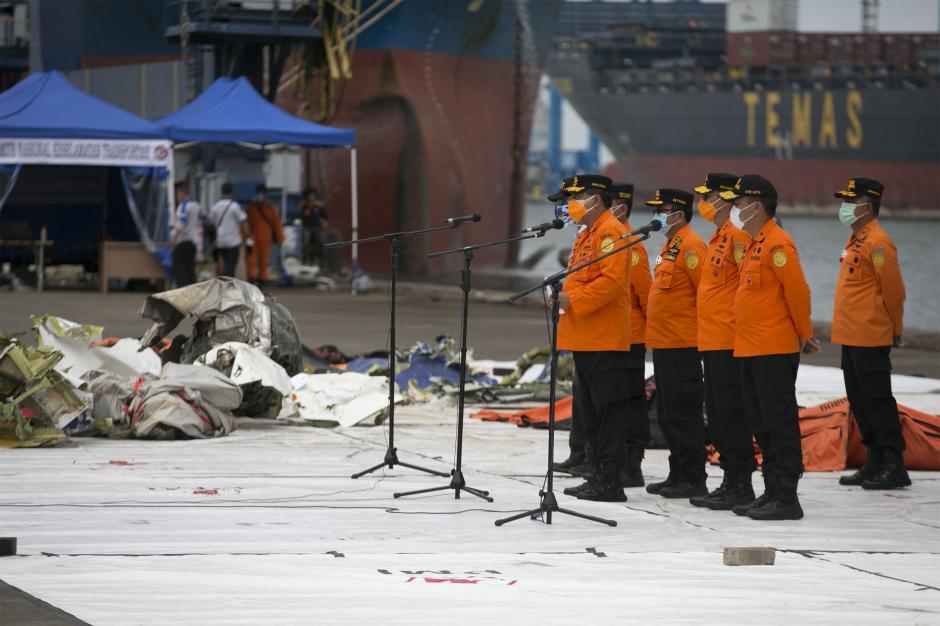 Operasi Pencarian dan Penyelamatan Sriwijaya Air SJ-182 Diperpanjang 3 hari-0