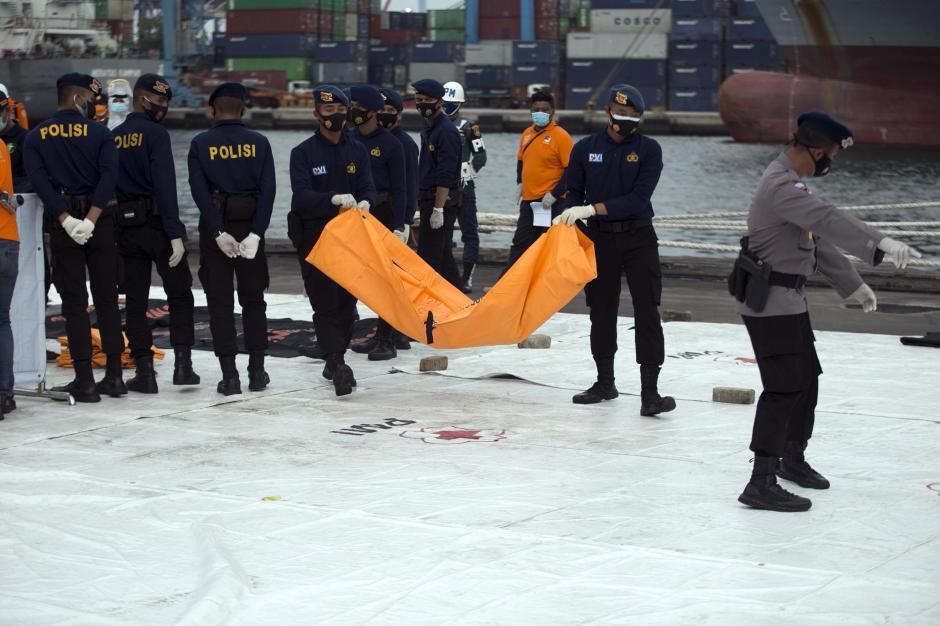 Hari Ke-7, Total 272 Kantong Jenazah Berisi Body Part Korban Sriwijaya Air SJ 182 Berhasil Dievakuasi-0