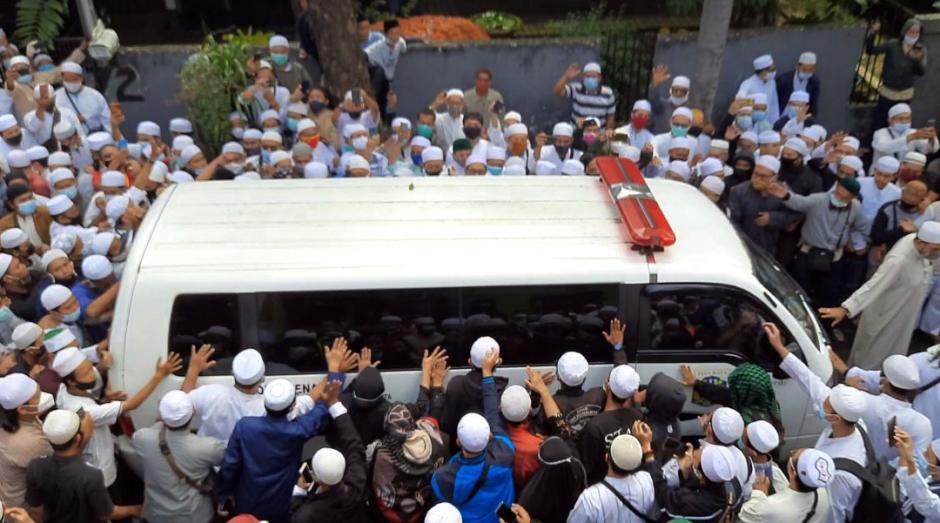 Salawat dan Takbir Bergema Sambut Jenazah Habib Ali Abdurrahman Assegaf-2