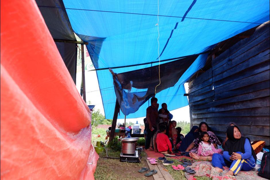 Korban Bencana Gempa Mamuju Kekurangan Makanan dan Selimut di Posko Pengungsian-0