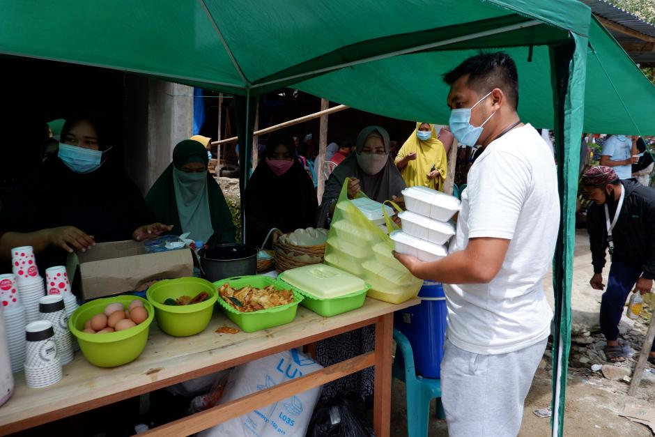 Warga Secara Swadaya Dirikan Posko Dapur Umum untuk Korban Gempa Mamuju-0
