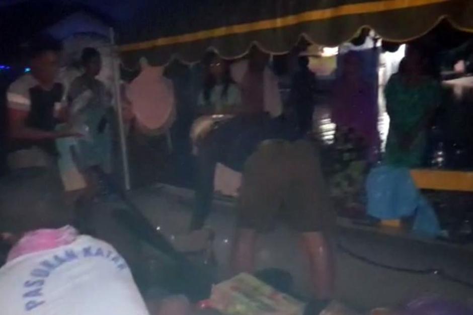 Dengan Bantuan Kompas, Tim SAR TNI AL Tembus Daerah Terisolasi Banjir Kalsel-4