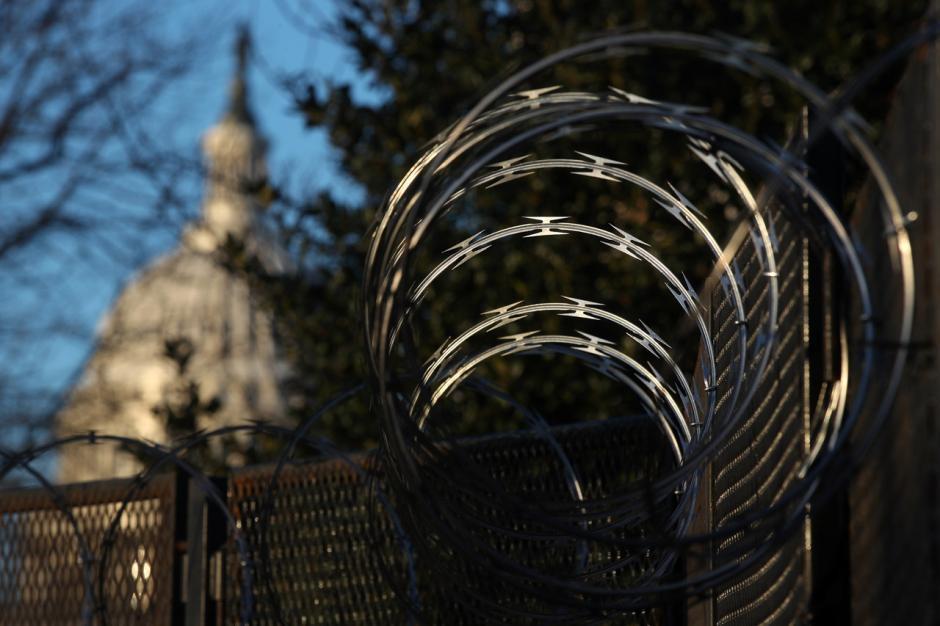 Gedung Capitol AS Dijaga Ketat Jelang Pelantikan Joe Biden-1