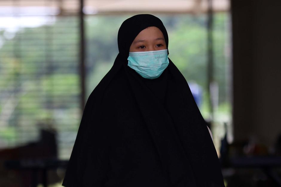 Ketegaran Aisyah Alissa, Gadis Mualaf yang Ibunya Meninggal Akibat Covid-19 Kini Hidup Sebatang Kara-0