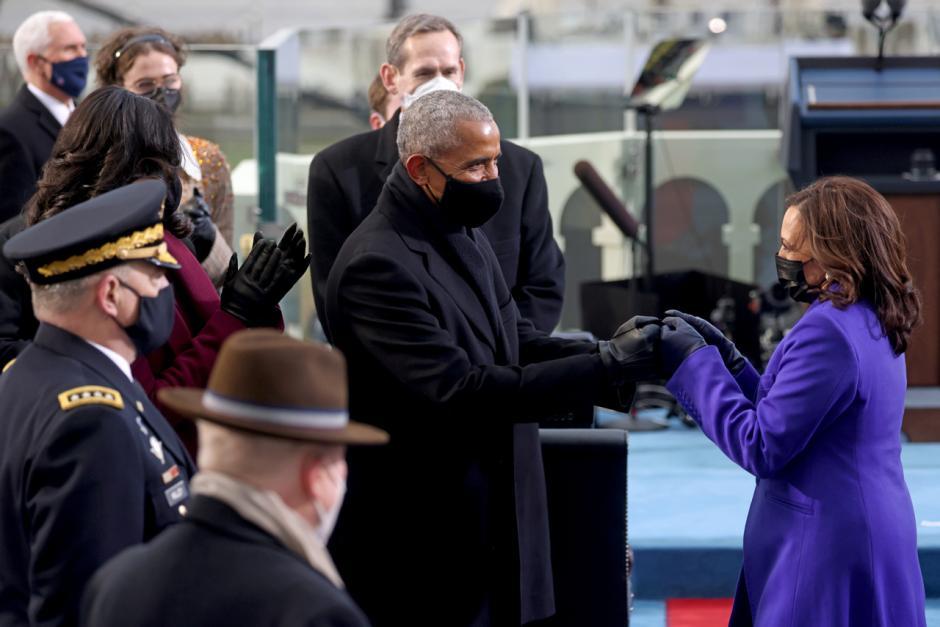 Mantan Presiden AS Barack Obama Hadiri Pelantikan Biden di Washington-2