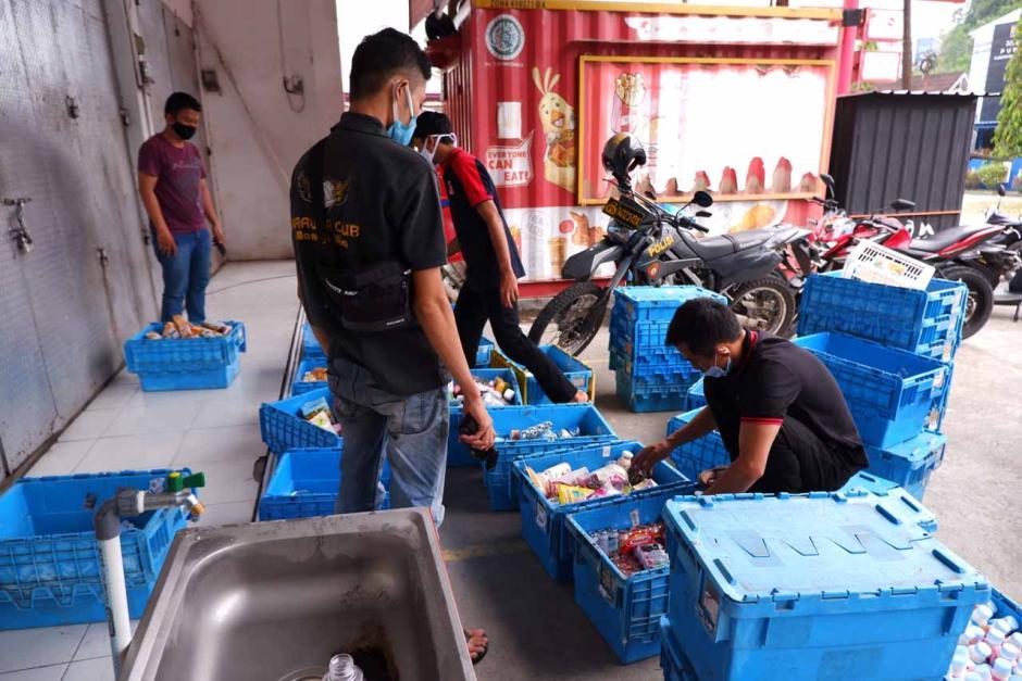 Antisipasi Penjarahan, Minimarket di Lokasi Gempa Mamuju Dijaga Polisi-1