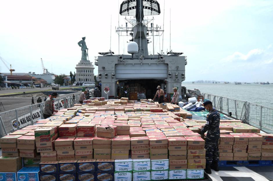 Koarmada II Kirim Bantuan untuk Korban Gempa Majene dan Mamuju-4