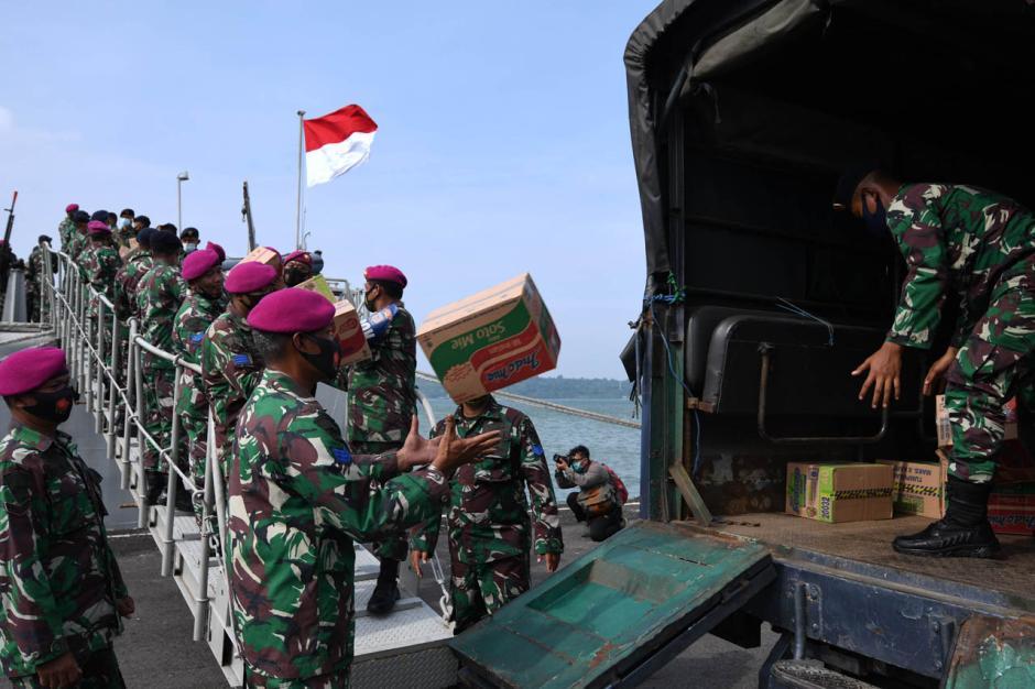 Koarmada II Kirim Bantuan untuk Korban Gempa Majene dan Mamuju-2