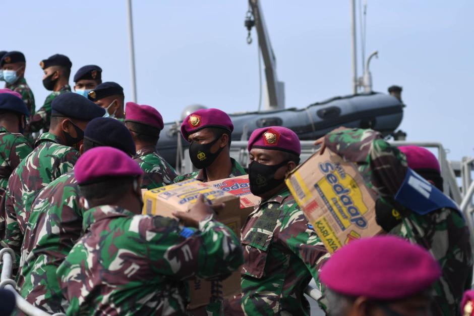 Koarmada II Kirim Bantuan untuk Korban Gempa Majene dan Mamuju-1