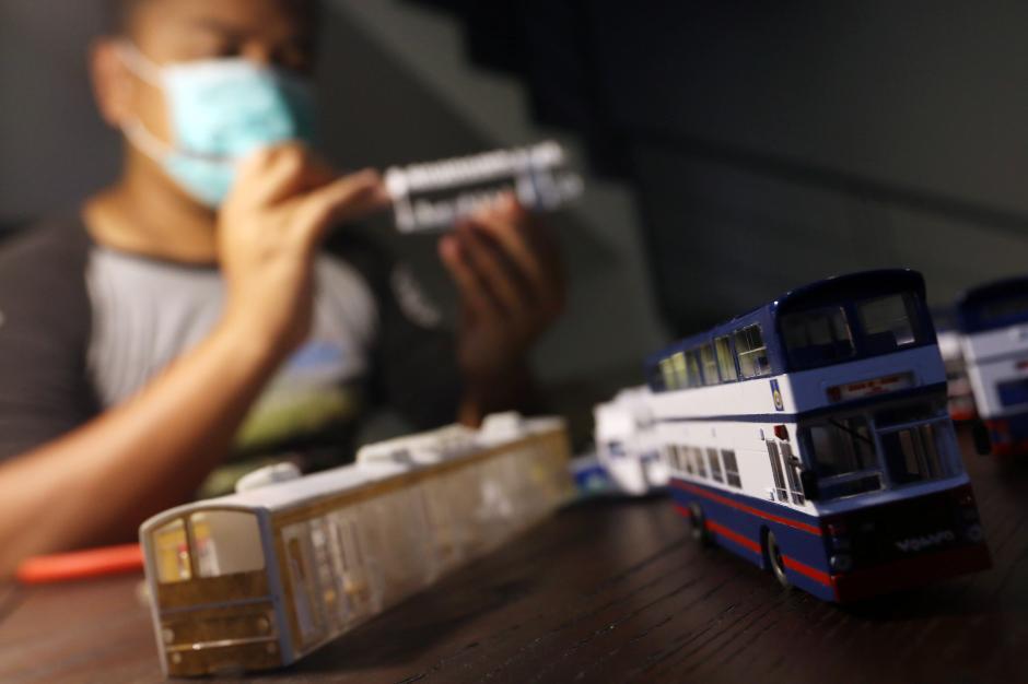 Dikerjakan Selama 4 Hari, Miniatur Bus Klasik ini Dibanderol Rp 500 Ribu-5