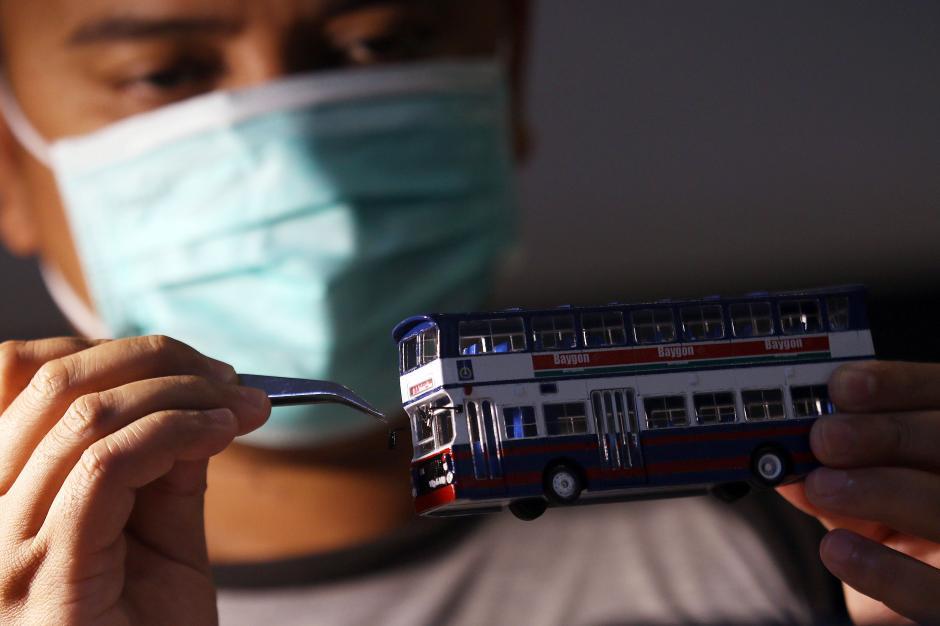 Dikerjakan Selama 4 Hari, Miniatur Bus Klasik ini Dibanderol Rp 500 Ribu-0