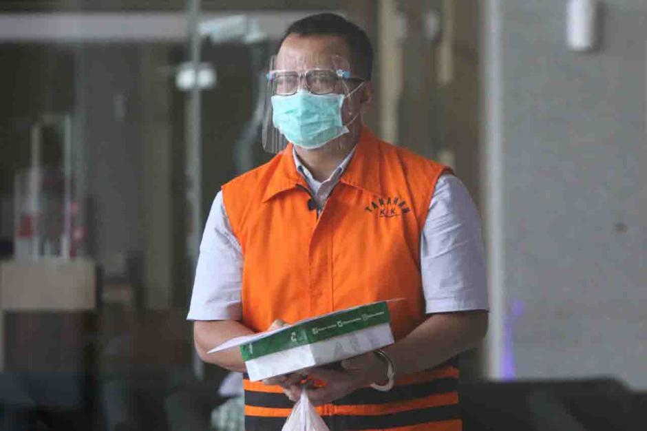 KPK Perpanjang Masa Tahanan Mantan Menteri KKP Edhy Prabowo-3