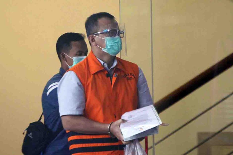 KPK Perpanjang Masa Tahanan Mantan Menteri KKP Edhy Prabowo-1