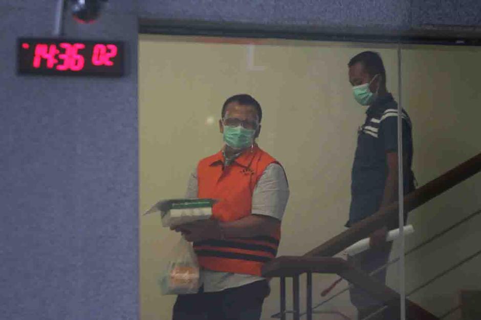 KPK Perpanjang Masa Tahanan Mantan Menteri KKP Edhy Prabowo-2