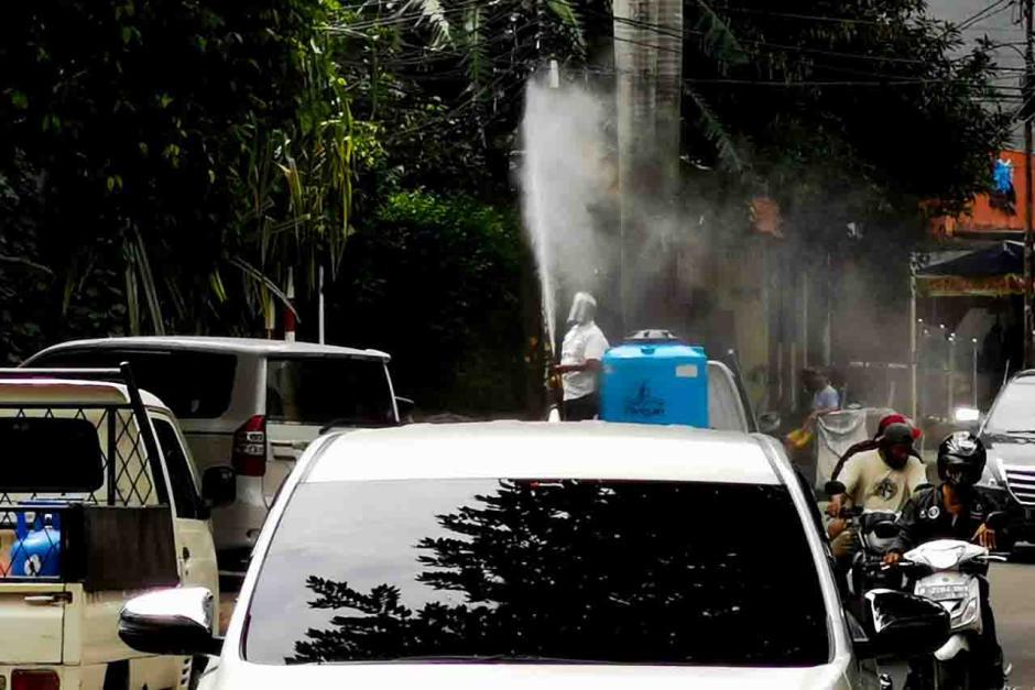Kasus Baru Covid-19 di Jakarta Tak Kunjung Reda, Penyemprotan Disinfektan Digencarkan-2