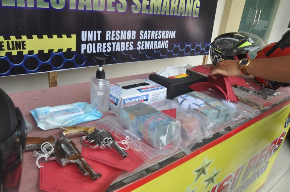 Disergap di Ciamis, Komplotan Perampok Setengah Miliar di Semarang Tertangkap-4