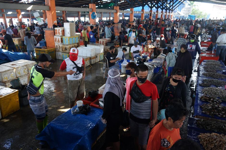 Gelombang Laut Tinggi, Harga Ikan di TPI Paotere Makassar Naik Dua Kali Lipat-3
