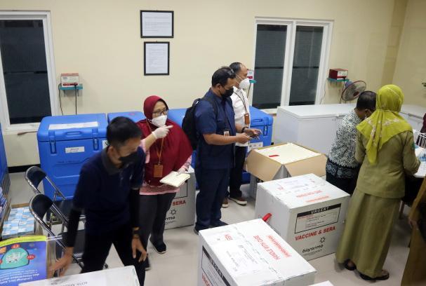 10.240 Vaksin Covid-19 Tiba di Dinkes Kota Malang-2