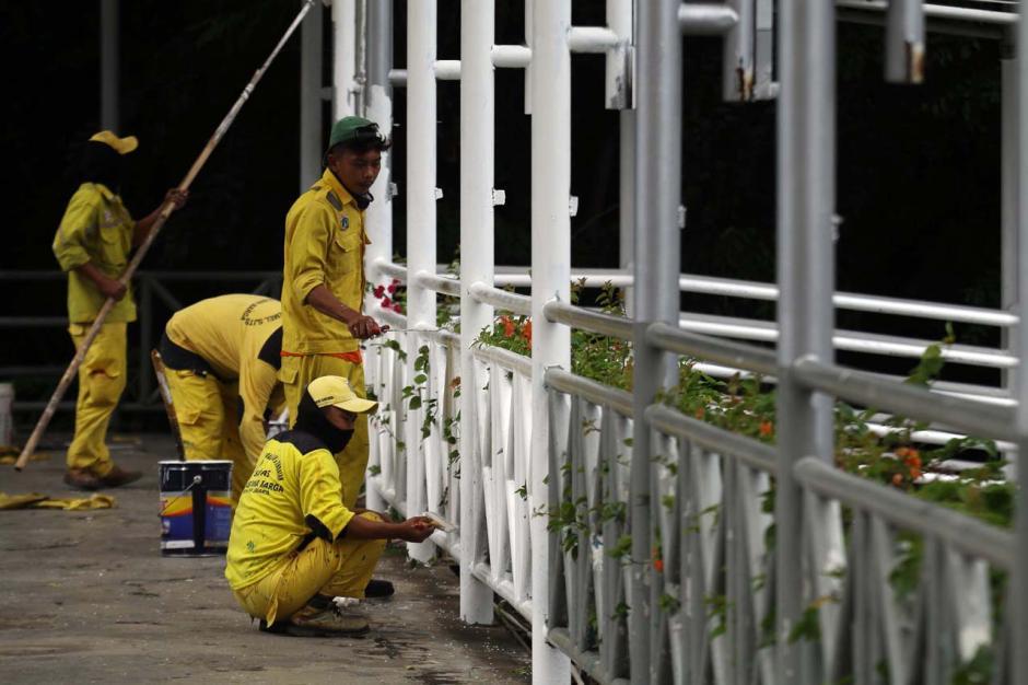 Perawatan JPO Sudirman, Bina Marga DKI Lakukan Pengecatan-0