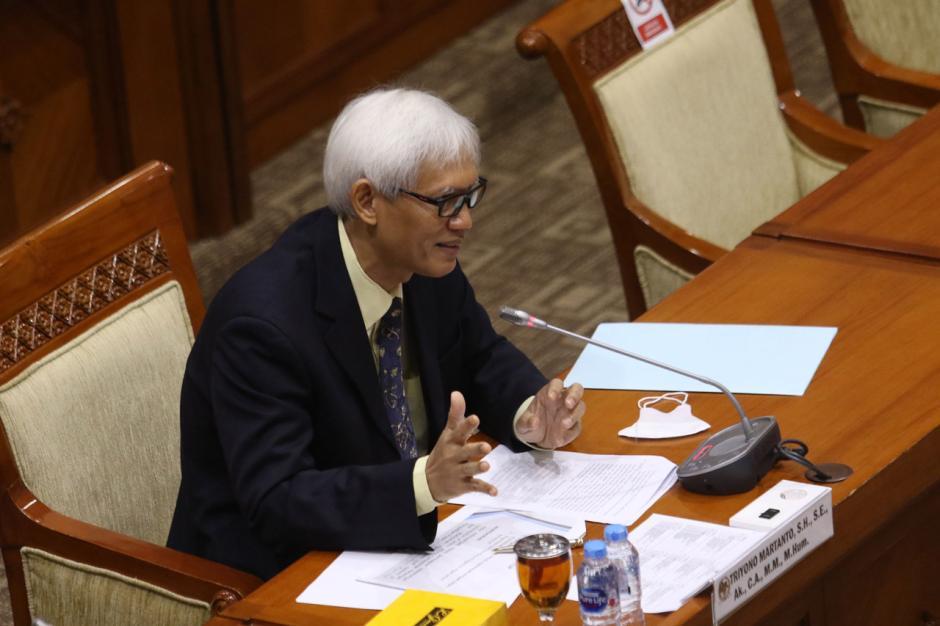 Diduga Lakukan Plagiat, Komisi III Hentikan Fit Propert Test Calon Hakim Agung TUN Triyono Martanto-2