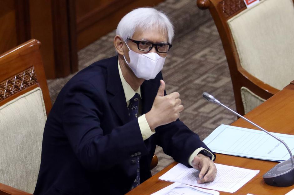 Diduga Lakukan Plagiat, Komisi III Hentikan Fit Propert Test Calon Hakim Agung TUN Triyono Martanto-5