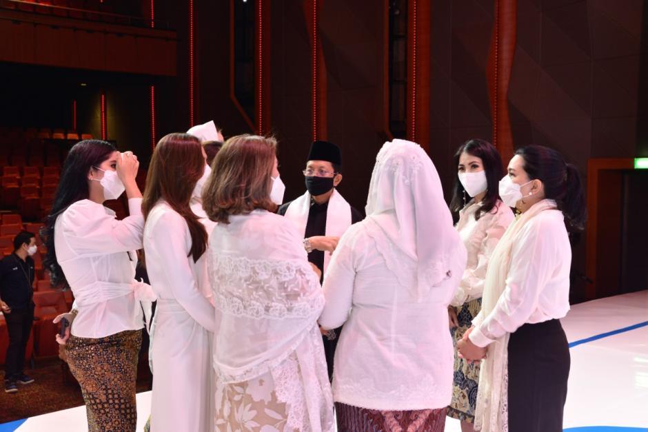 9 Srikandi Persembahkan Satukan Doa untuk Negeri-3