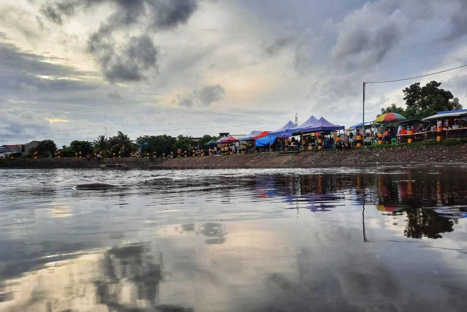 Menikmati Suasana Santai di Waduk Borong-2