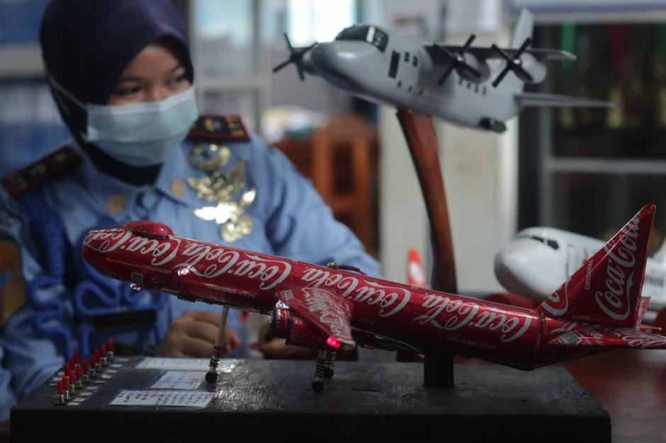 Keren, Siswa SMK Ini Buat Miniatur Pesawat Berbahan Dasar Limbah Kaleng-2