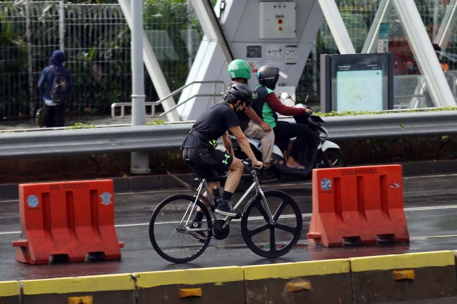 Pemprov DKI Akan Permanenkan Jalur Sepeda di Jalan Sudirman-Thamrin-1