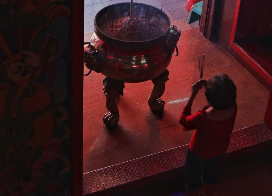 Perayaan Imlek di Makassar Digelar Secara Sederhana Namun Khidmat-6