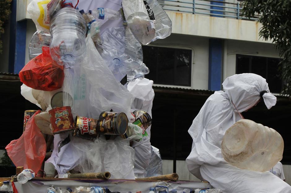 Aksi Stop Peradaban Galon Sekali Pakai Peringati Hari Peduli Sampah Nasional-0
