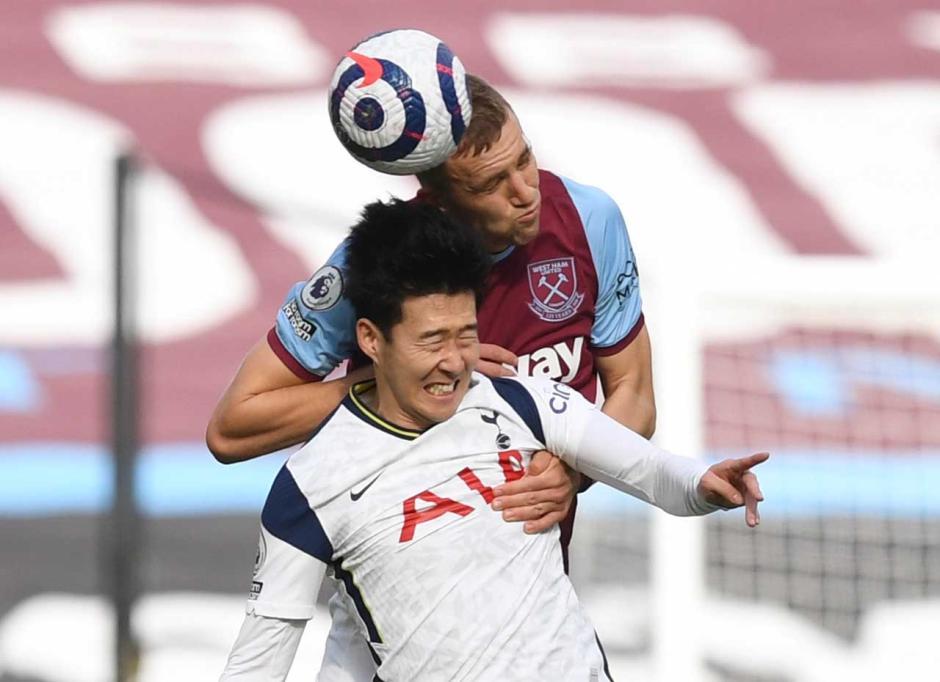 Menang 2-1 atas Tottenham Hotspur, West Ham Geser Chelsea di Empat Besar Klasemen-3