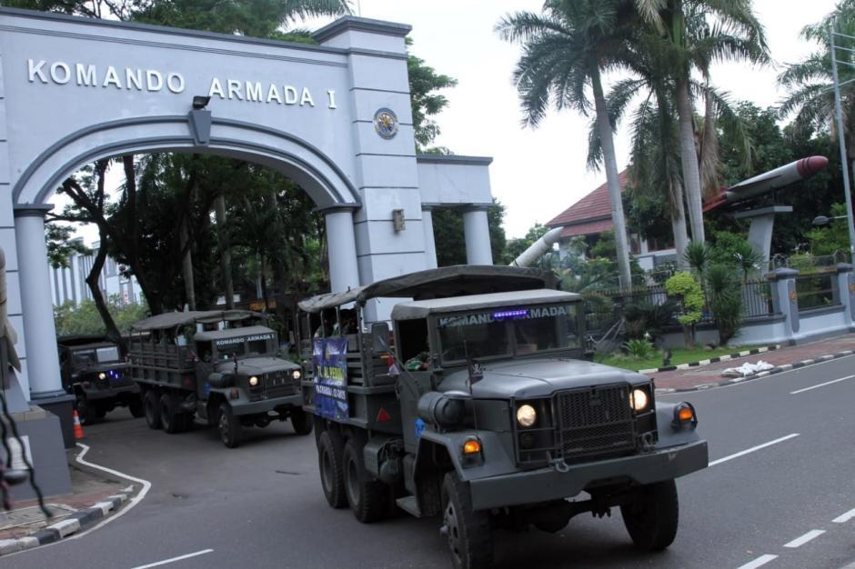 Kerahkan Truk Militer, TNI AL Berangkatkan Satgas Penanggulangan Banjir ke Situ Babakan Bekasi-2