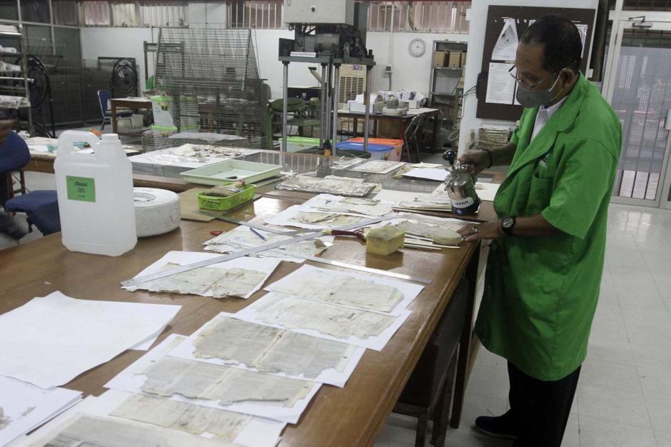 Arsip Nasional RI Buka Layanan Pemulihan Dokumen yang Rusak Akibat Banjir-0