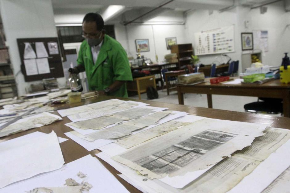 Arsip Nasional RI Buka Layanan Pemulihan Dokumen yang Rusak Akibat Banjir-5