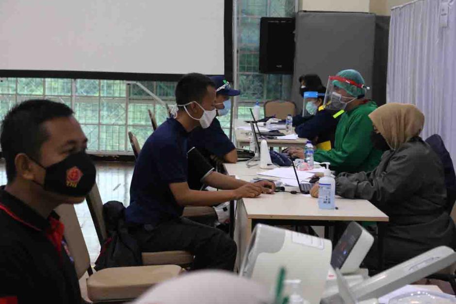 Pegawai, Tahanan Hingga Jurnalis Jalani Vaksinasi Covid-19 di KPK-2