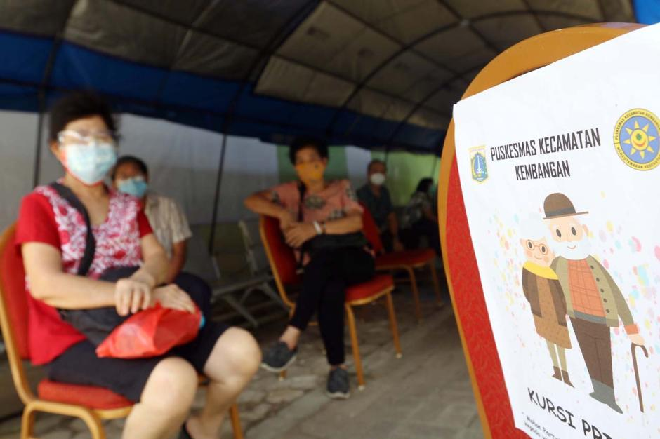 Vaksinasi Tahap Kedua Sasar 21,5 Juta Lansia-3