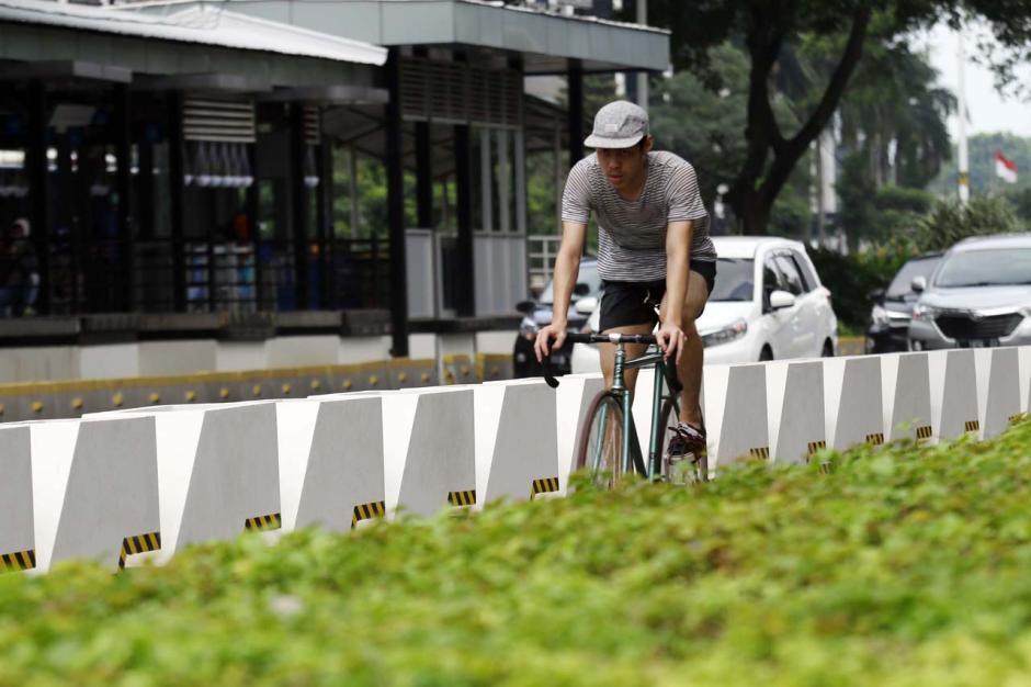 Minim Sosialisasi, Penggunaan Jalur Permanen Pesepeda di Kawasan Sudirman Belum Maksimal-7